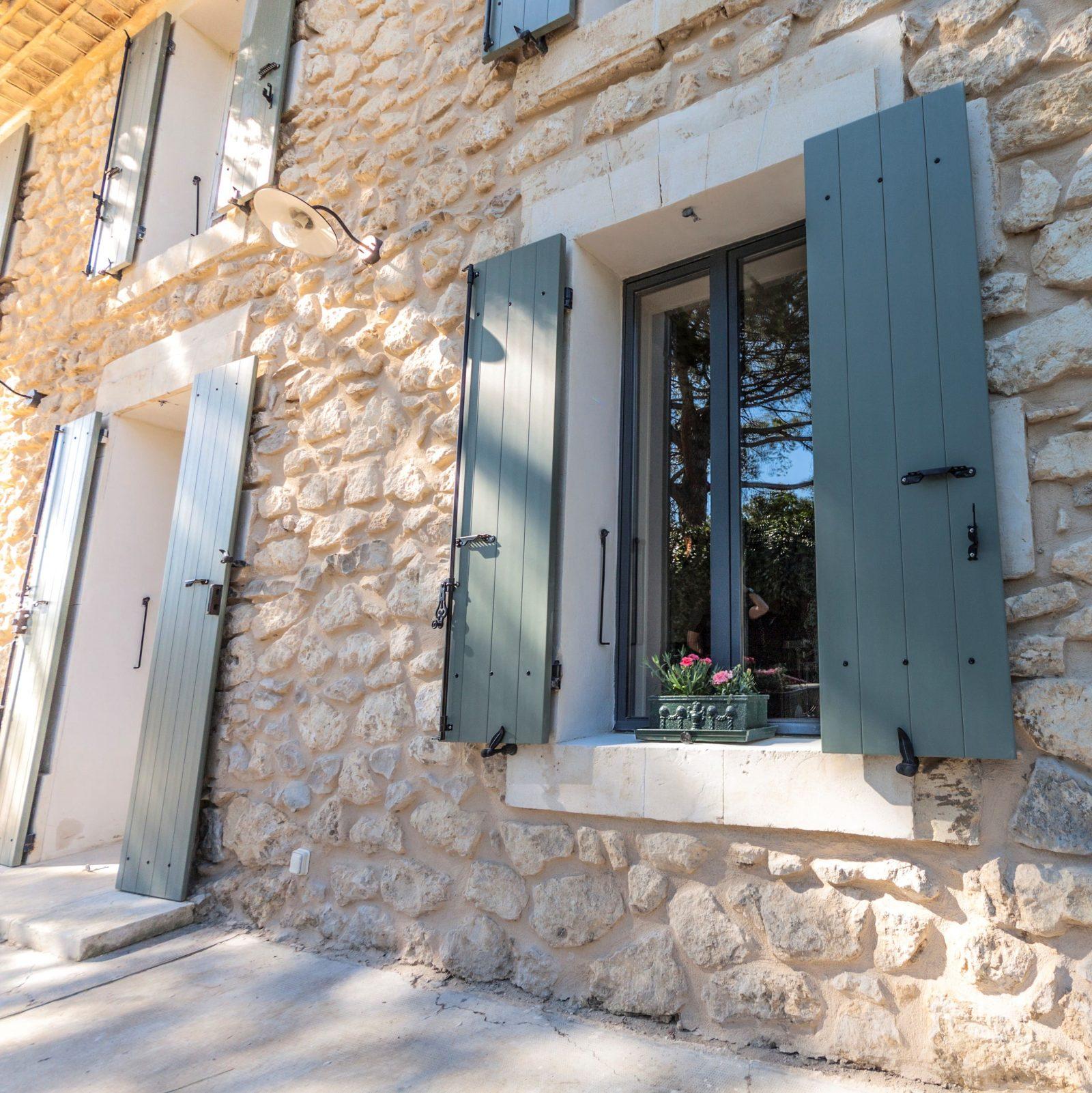 Volets droits maison Polyuréthane isolant projet de renovation
